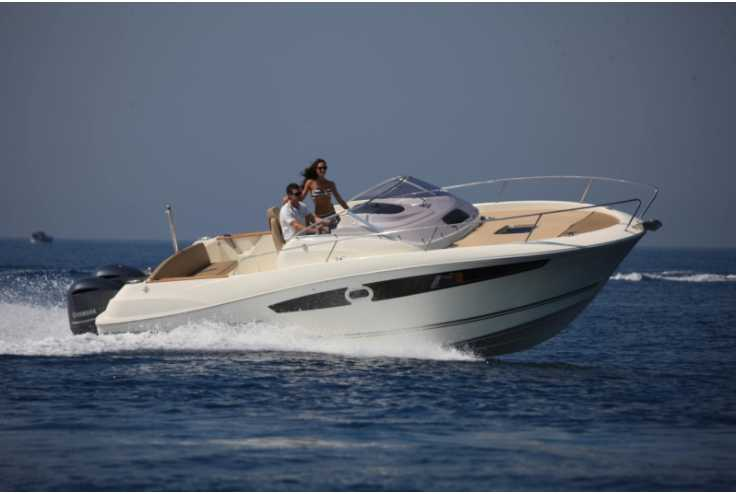 bateau JEANNEAU CAP CAMARAT 8.5 WA occasion Bouches du Rhone - PACA   82 640 €