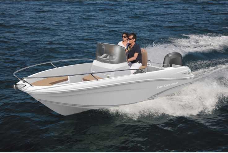 bateau JEANNEAU CAP CAMARAT 4.7 CC occasion Bouches du Rhone - PACA   13 500 �