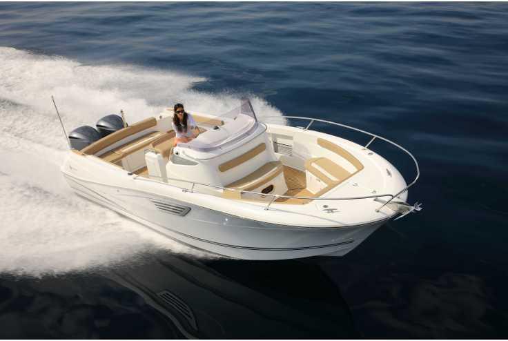 bateau JEANNEAU CAP CAMARAT 8.5 CC HONDA occasion Bouches du Rhone - PACA   66 200 €
