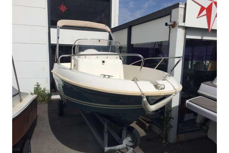 bateau JEANNEAU CAP CAMARAT 5.1 CC occasion Bouches du Rhone - PACA   13 800 �