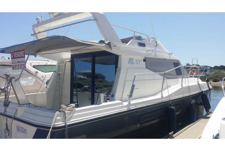 bateau AZIMUT 37 FLY occasion    55 900 €