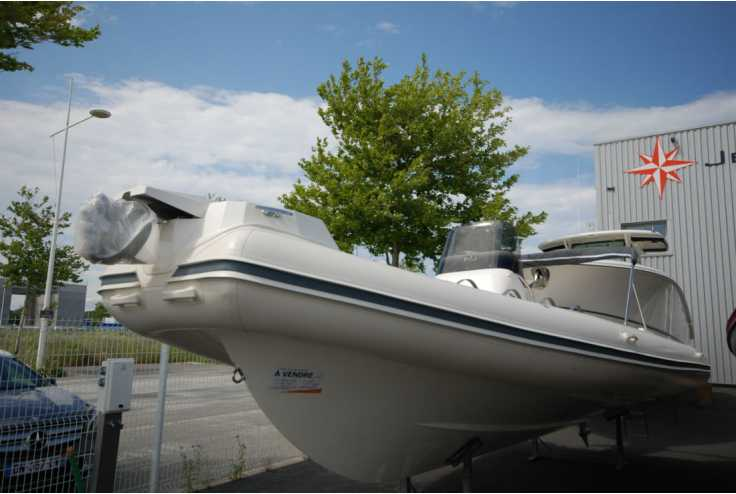 NUOVA JOLLY NJ 700 - Bateau semi-rigide neuf 66 - Vente 62000 : photo 1