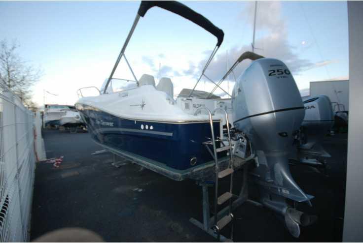 bateau JEANNEAU CAP CAMARAT 7.5 WA Série 2 occasion Pyrénées Orientales - Languedoc-Roussillon   48 500 €