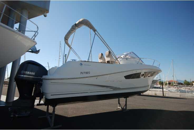 bateau JEANNEAU CAP CAMARAT 8.5 WA occasion Pyrénées Orientales - Languedoc-Roussillon   64 500 €