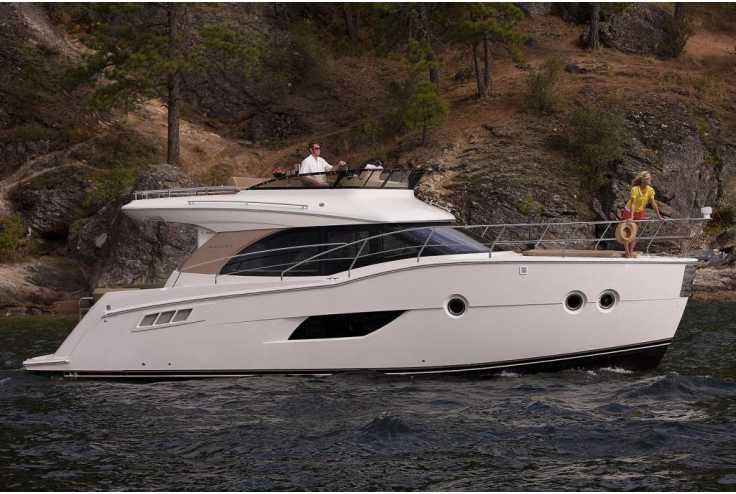 bateau CARVER YACHTS C40 occasion Gard - Languedoc-Roussillon   407 500 €