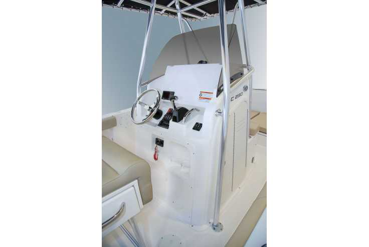 PURSUIT C 230 Center Console - Bateau neuf 06 - Vente 108300 : photo 6