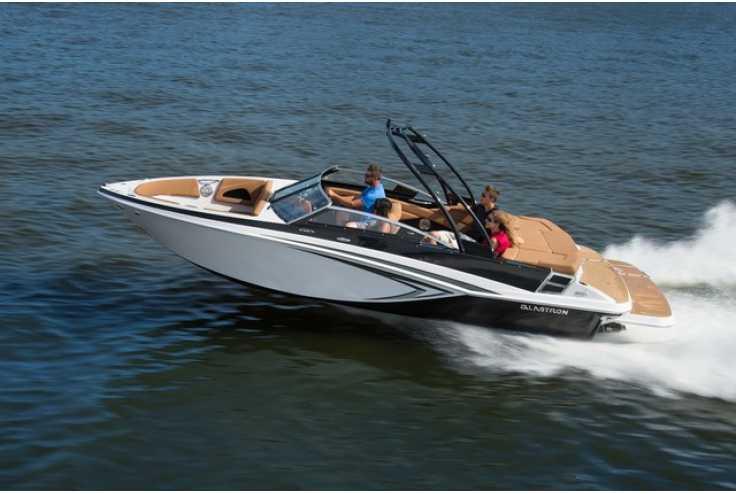 bateau GLASTRON  GT 225 occasion Alpes Maritimes - PACA   47 419 €