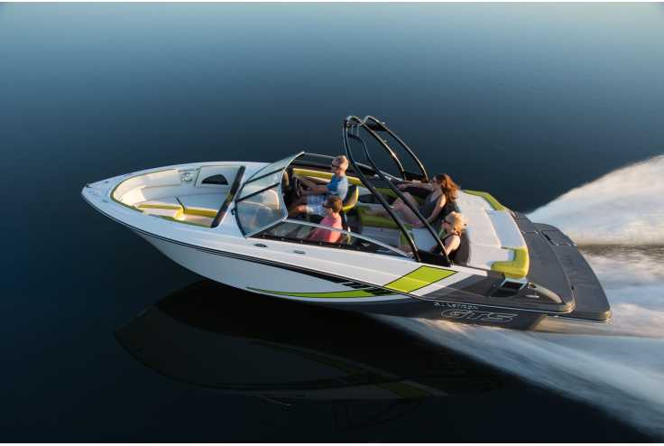 bateau GLASTRON  GTS 225 occasion Alpes Maritimes - PACA   49 170 €