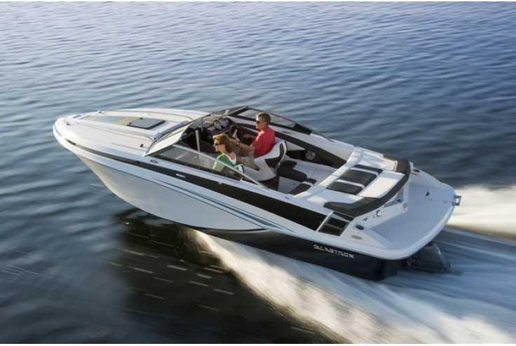 bateau GLASTRON  GT 229 occasion Alpes Maritimes - PACA   51 612 €