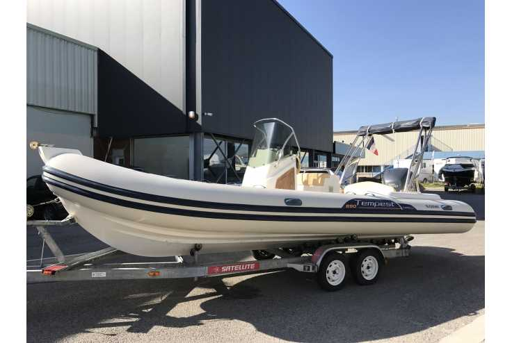 bateau CAPELLI 690 occasion Alpes Maritimes - PACA   23 990 €