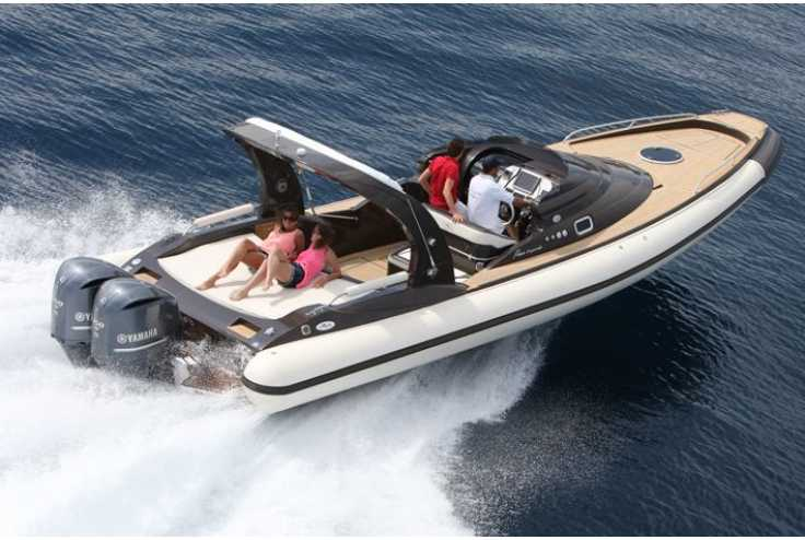 NUOVA JOLLY Prince 35 Sport Cabin Outboard - Bateau semi-rigide occasion 06 - Vente 134990 : photo 1